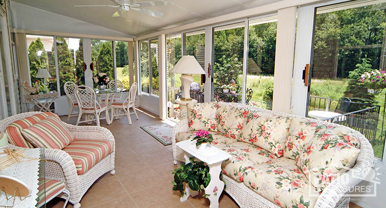 How To Make A Sunroom Comfortable For Your Guests