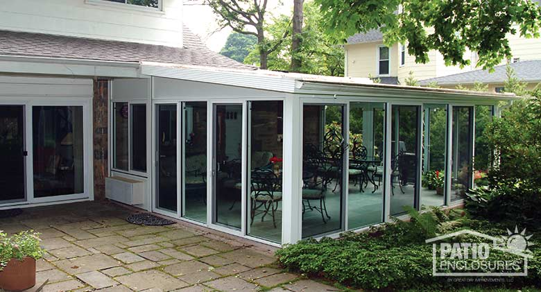 White Aluminum Frame All Season Room with Single-Slope Roof