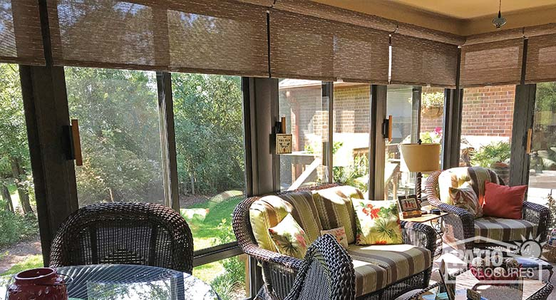 Roller shades are available in a variety of colors and fabrics to complement any décor.