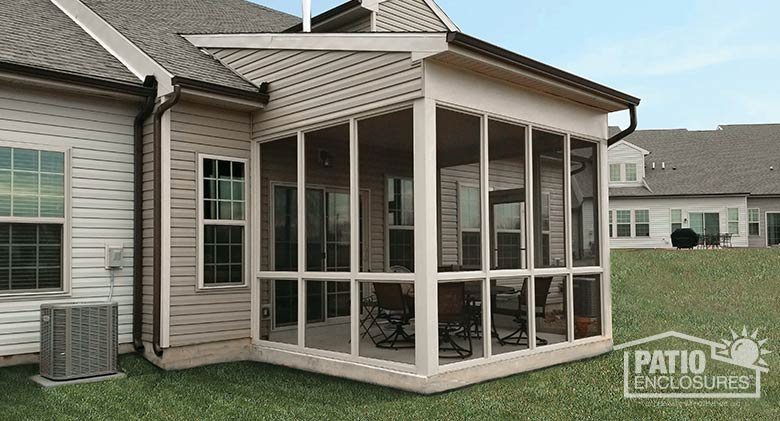 Sandstone Aluminum Frame Screen Room with Custom Single-Slope Roof