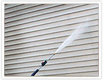 Pressuring washing vinyl siding