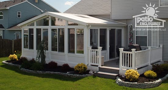 Sunroom with deck ideas pictures for Sunroom and patio designs