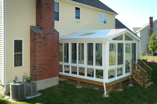 Adding value to your home with a sunroom addition for Solarium room additions