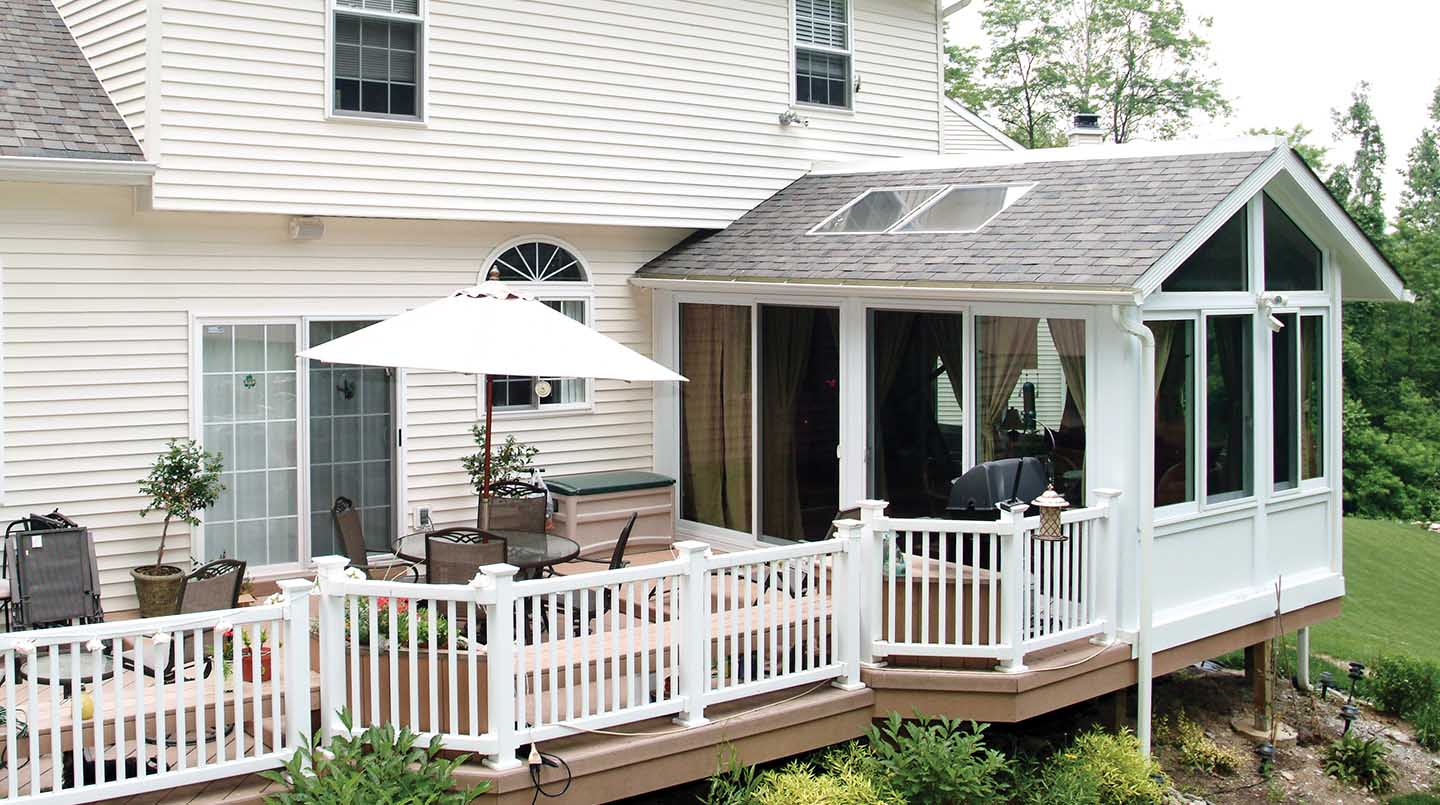 Aluminum sunroom addition pictures ideas designs for Backyard sunroom
