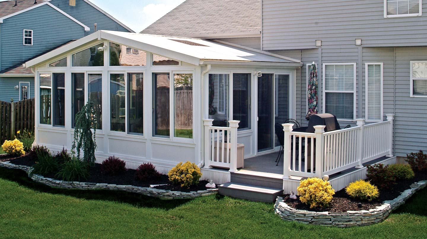Sunrooms sun rooms three season rooms patio screen for Home plans with sunrooms