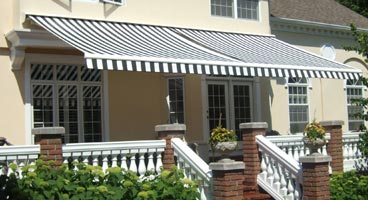 Retractable Awnings - SunShelter® Elite Plus