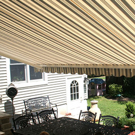 Retractable Awning - SunShelter® Triumph